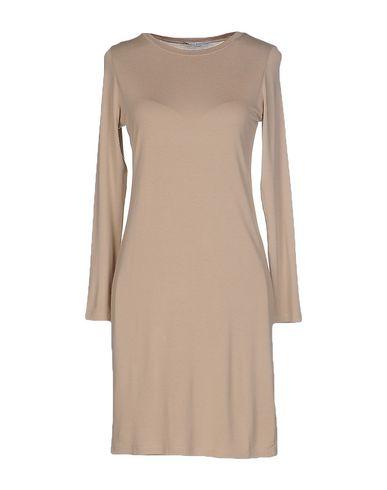 Короткое платье LO NOT EQUAL 37872569UD