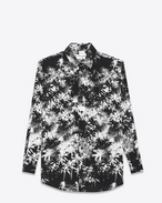 Oversize-Hemd mit Paris-Kragen aus muschelfarbener und schwarzer Viskose mit Palmenprint
