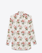 Oversize-Hemd aus gebrochen weißem und rosafarbenem Baumwollvoile mit grungy Rosenprint und Paris-Kragen