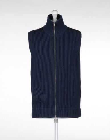 Sleeveless jumper