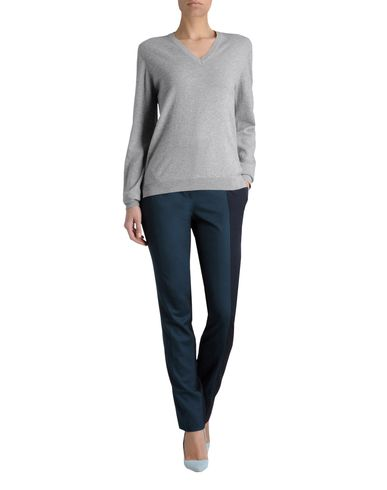 Solid Cashmere V-Neck