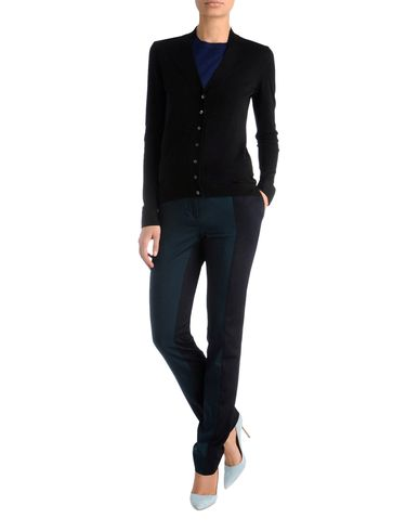 Luxe Essential V-Neck Cardigan