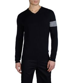 EA7 - V-neck sweater