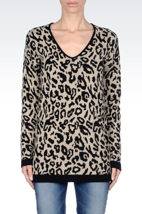 OVERSIZE JUMPER IN ANIMAL PRINT WOOL BLEND: V  neck sweaters Women by Armani - 3