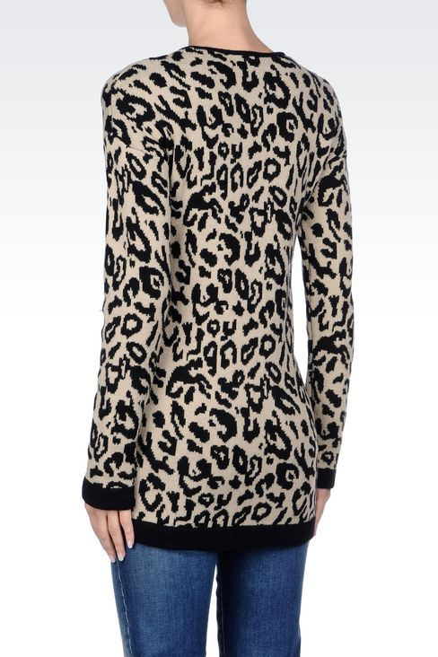 OVERSIZE JUMPER IN ANIMAL PRINT WOOL BLEND: V  neck sweaters Women by Armani - 4