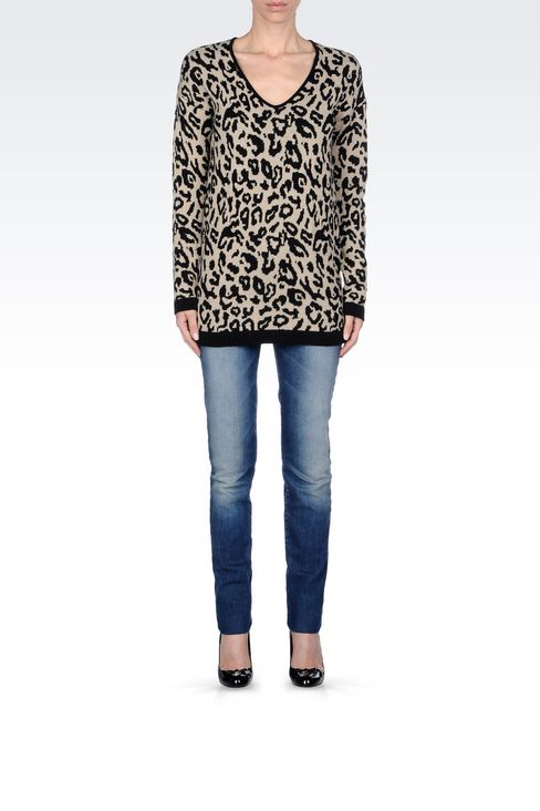 OVERSIZE JUMPER IN ANIMAL PRINT WOOL BLEND: V  neck sweaters Women by Armani - 2