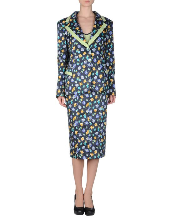 цена  BENCIVENGA COUTURE Классический костюм  онлайн в 2017 году