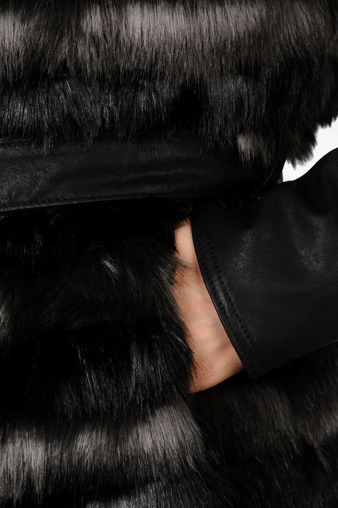 FUR COAT WITH LEATHER SLEEVES: Dust jackets Women by Armani - 4