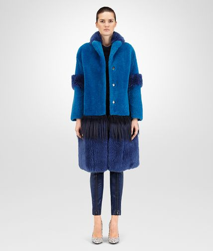 COAT IN PACIFIC PEACOCK SHEARLING