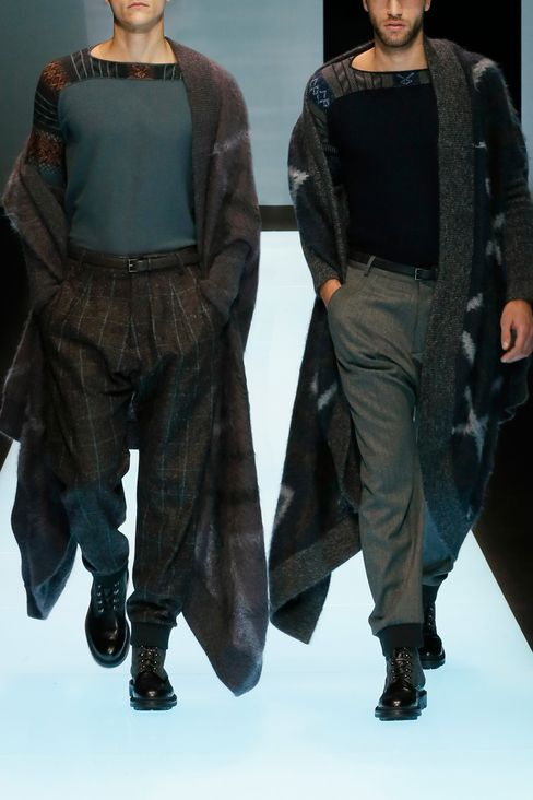 CLOAK IN MOHAIR WOOL: Ponchos Men by Armani - 2