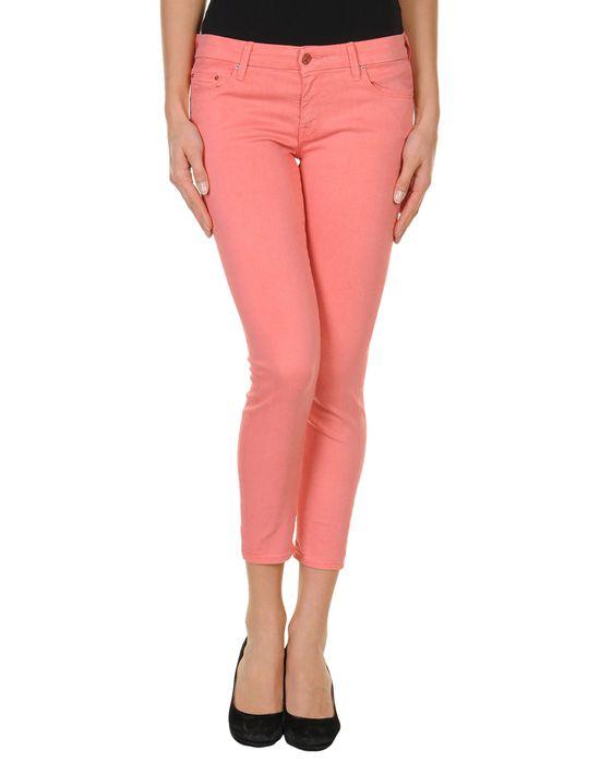 Джинсовые брюки-капри MOTHER. Цвет: пастельно-розовый