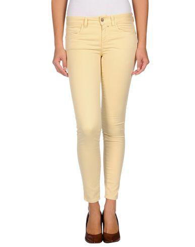 Foto KAOS Pantaloni jeans donna
