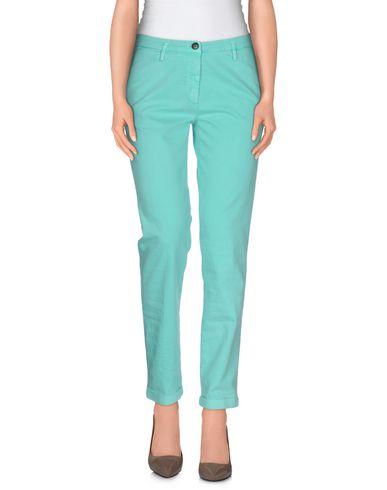 Джинсовые брюки FRED PERRY 42447941MI