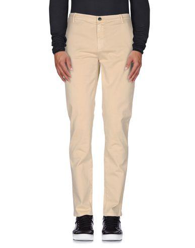 Джинсовые брюки FRED PERRY 42499704SI