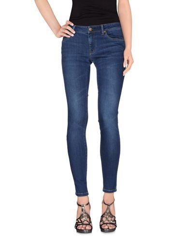Джинсовые брюки BURBERRY 42538787MO