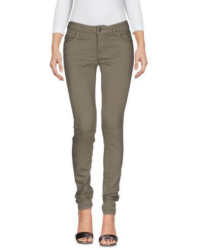 Джинсовые брюки BURBERRY 42559538OM