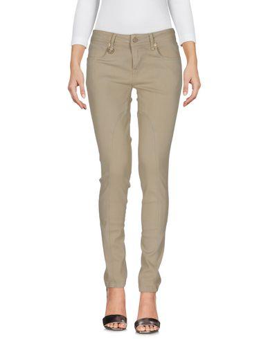 Джинсовые брюки BURBERRY 42578381FN