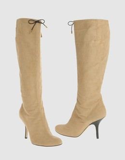 Mad about shoes - Pour les amoureuses de belles chaussures... - Zlio :  suede womens designer shoes footwear womens fashion