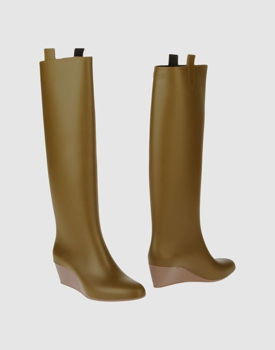 Купить Сапоги на каблуке KARTELL в интернет магазине с доставкой. KARTELL модные коллекции SS FW 2013 2014 по