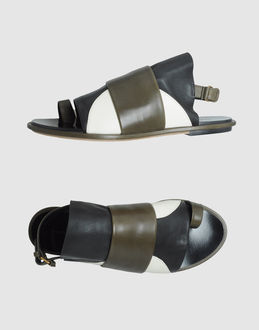 BALENCIAGA - FOOTWEAR - Flip flops - on