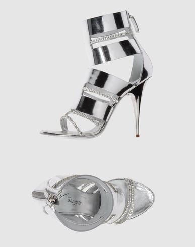 [1] أحذيه [1] كعب [1] عالي
