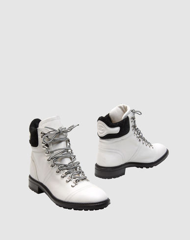 Shoes online for women. Buy chanel boots