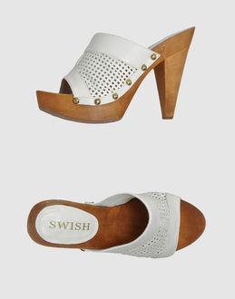 Sandalias con plataforma - SWISH EUR 49.00