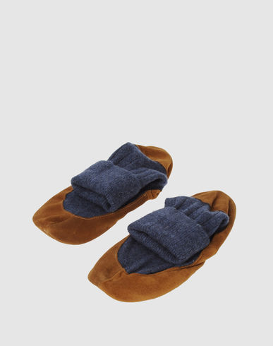 CHIC APPEAL - Slippers