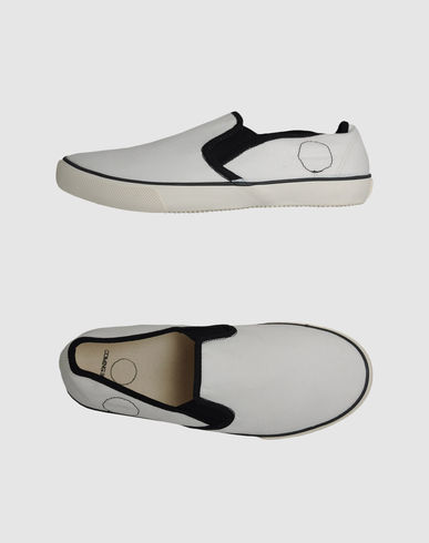 COMING SOON - Slip-on sneaker
