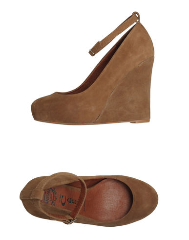 JEFFREY CAMPBELL - Closed-toe slip-ons
