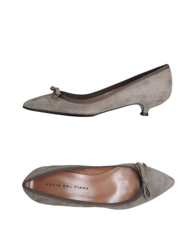 LUCIA DEL PIANO - Closed-toe slip-ons