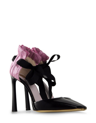 VIKTOR &#038; ROLF Pumps  Heels Pumps on shoescribe.com