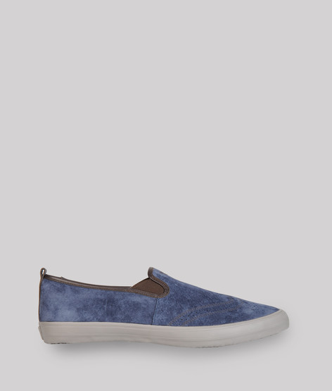 Slip-on sneaker