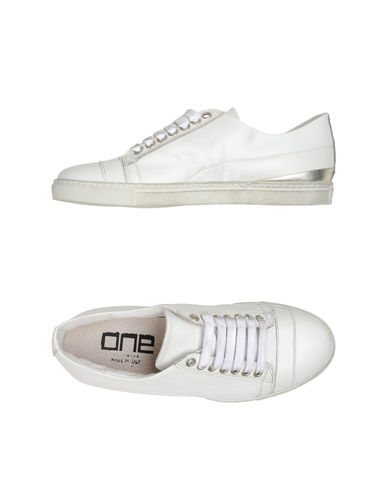 ONE FOOTWEAR - Sneakers
