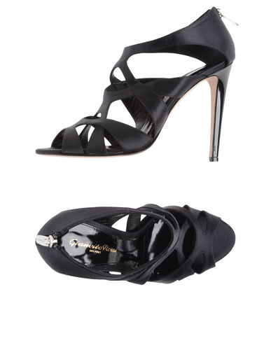 GIANVITO ROSSI - High-heeled sandals