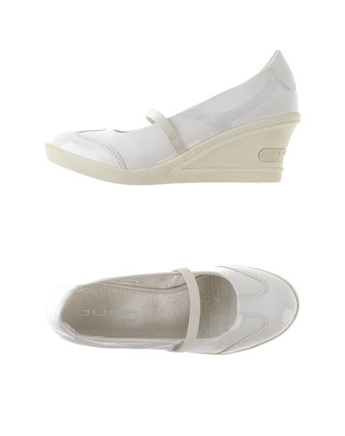 JUMP - Closed-toe slip-ons