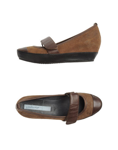 LOGAN CROSSING - Closed-toe slip-ons
