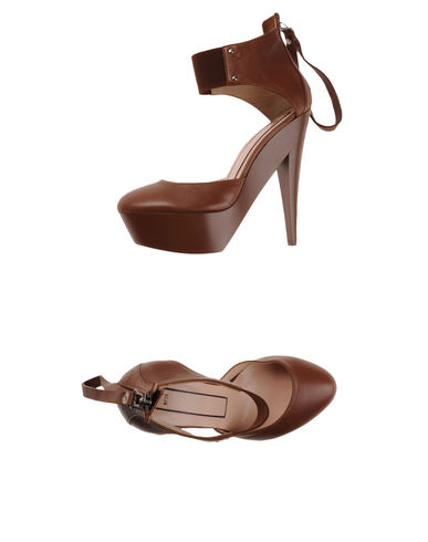 N&#176; 21 - Platform sandals