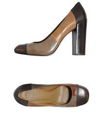 TORY BURCH - Closed-toe slip-ons