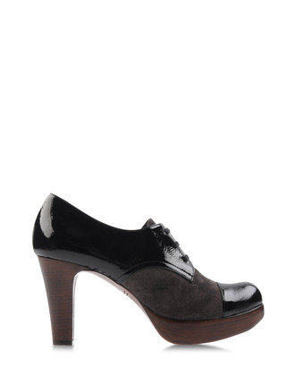 CHIE MIHARA Loafers & Lace-ups Brogues on shoescribe.com