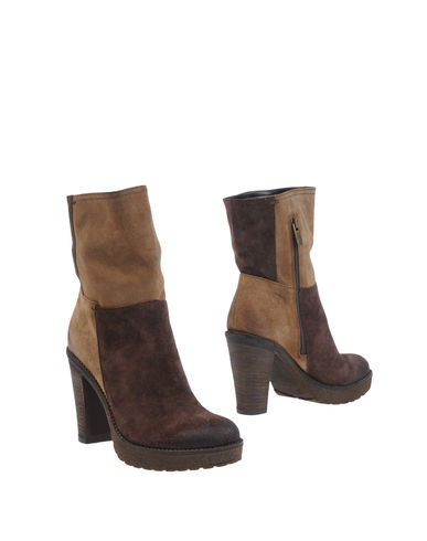 ALTERNATIVA - Ankle boots