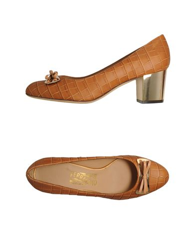 SALVATORE FERRAGAMO - Closed-toe slip-ons