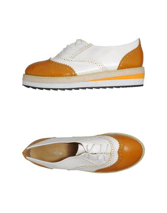двухцветный узор, шнуровка, скругленный носок, без аппликаций, резиновая подошва, танкетка из резины