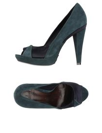 SCHUTZ - Closed-toe slip-ons