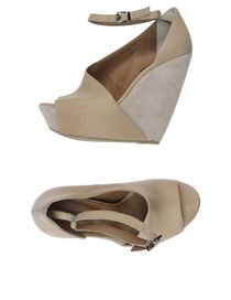 VIC MATIE&#39; - Closed-toe slip-ons