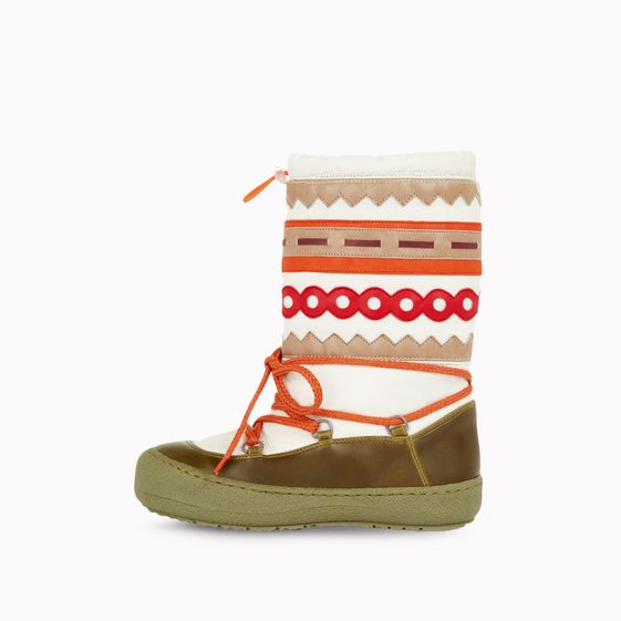 Stella McCartney, Rainbow snowboots