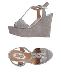 ELIE TAHARI - Wedge