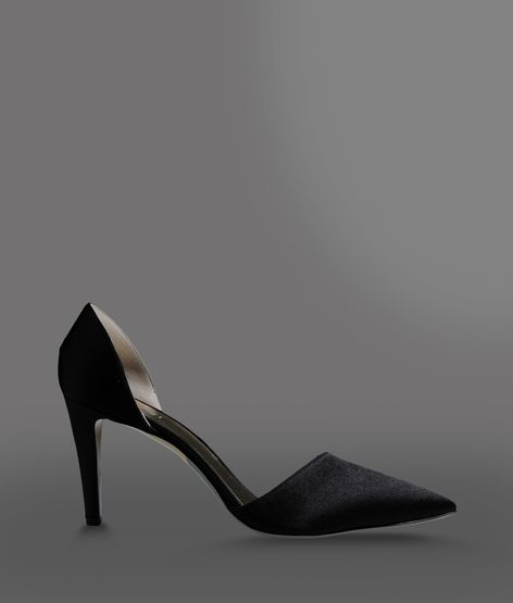 SATIN PUMP WITH ASYMMETRIC VAMP