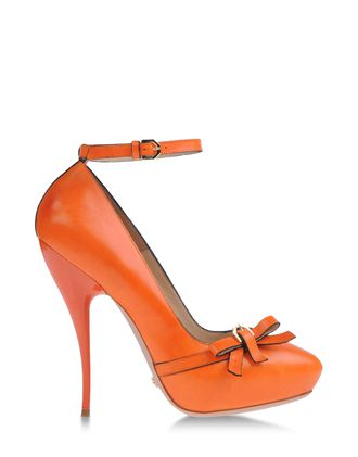 VIKTOR & ROLF Pumps & Heels Pumps on shoescribe.com