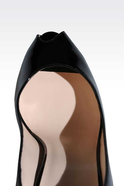 OPEN TOE PUMP IN PATENT EFFECT CALFSKIN: Heeled pumps Women by Armani - 4